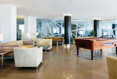 Lobby Hotel AluaSoul Palma (Només adults) Cala Estancia, Mallorca